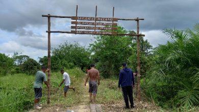 Photo of Secara Swadaya Masyarakat Bersihkan Akses Menuju Wisata Danau Luah Putih