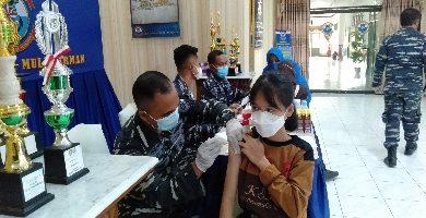 Photo of Tuntaskan Vaksinasi, Ratusan Pelajar Ikuti Vaksin Kedua di Makolanal Sangatta